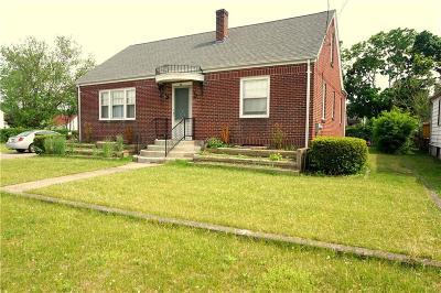 Providence County Single Family Home For Sale: 51 Carman St