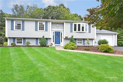 North Kingstown Single Family Home For Sale: 150 Kingswood Rd