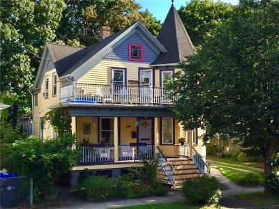 Providence RI Single Family Home For Sale: $224,900