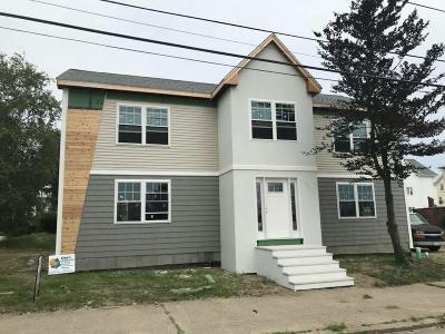 Pawtucket Single Family Home For Sale: 15 Park St