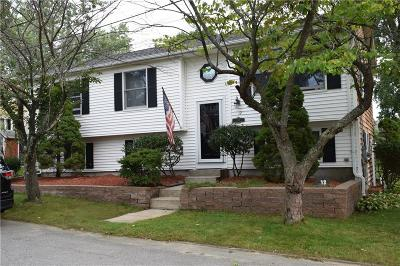 Cumberland Single Family Home For Sale: 12 Hayden Ct