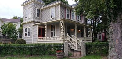 Newport Single Family Home For Sale: 21 Park St