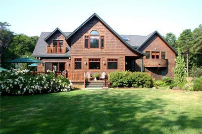 Jamestown Single Family Home For Sale: 18 Intrepid Lane