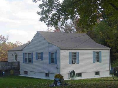 Johnston Single Family Home For Sale: 117 Bishop Hill Rd