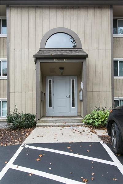 Lincoln Condo/Townhouse For Sale: 400 New River Rd, Unit#111 #111