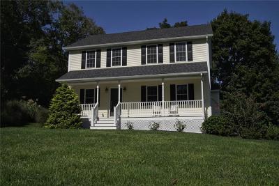 South Kingstown Single Family Home For Sale: 15 Berglund Av