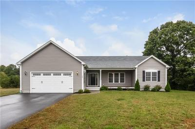 North Kingstown Single Family Home For Sale: 100 Austin Meadows Lane