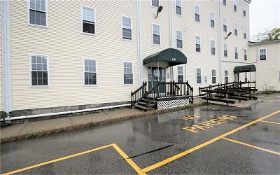 Woonsocket Condo/Townhouse For Sale: 148 Bernon St, Unit#4 #4