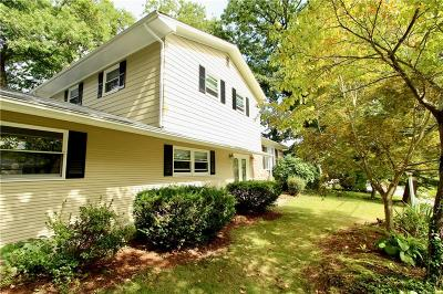 Cranston Single Family Home For Sale: 151 S Comstock Pkwy