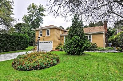 Bristol County Single Family Home For Sale: 9 Valley Dr