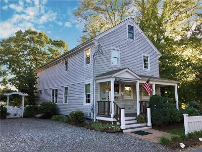 North Kingstown Single Family Home For Sale: 100 Phillips St