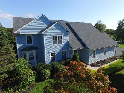 South Kingstown Single Family Home For Sale: 330 Kettle Pond Dr