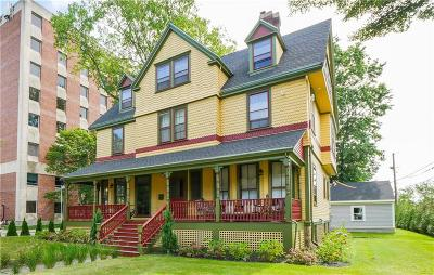 Newport Single Family Home For Sale: 253 Broadway
