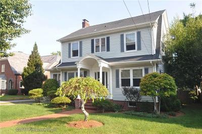 Cranston Single Family Home For Sale: 233 Norwood Av