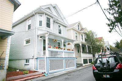Newport Single Family Home For Sale: 18 Calvert St