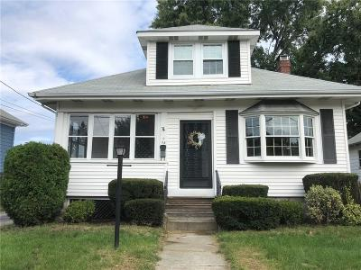Cranston Single Family Home For Sale: 68 Friendly Rd