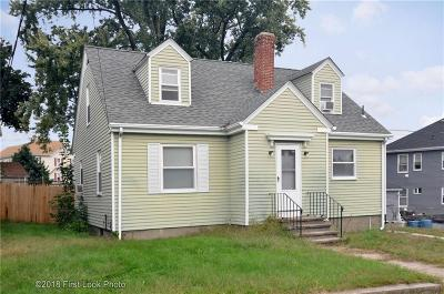 Woonsocket Single Family Home For Sale: 489 Mason St