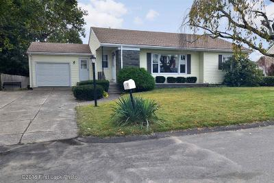Cumberland Single Family Home Act Und Contract: 8 Woodland St