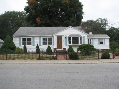 Cumberland Single Family Home For Sale: 109 Curran Rd