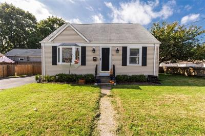 Pawtucket Single Family Home For Sale: 60 Clews St