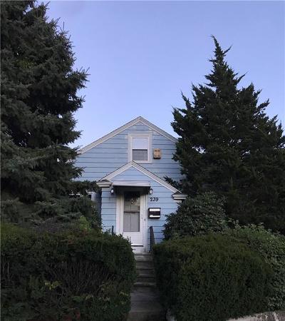Cranston Single Family Home For Sale: 239 Princess Av