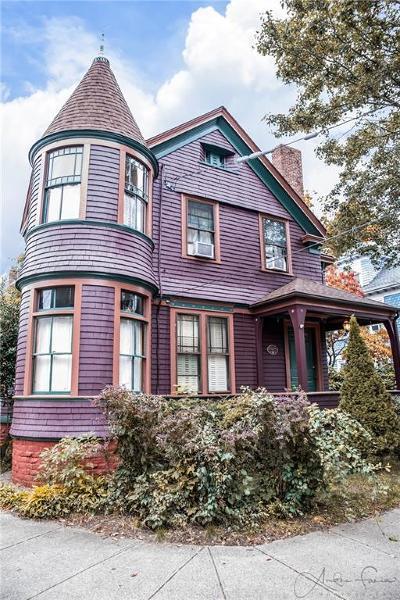 Pawtucket Single Family Home For Sale: 19 Stuart St