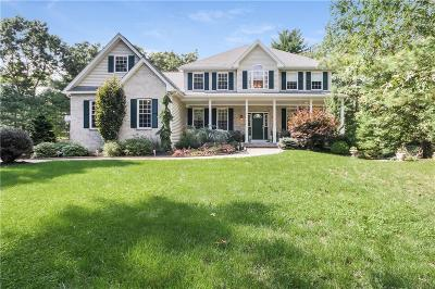 South Kingstown Single Family Home For Sale: 51 Wooded Grove Cir