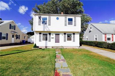 Pawtucket Single Family Home For Sale: 434 Carter Av