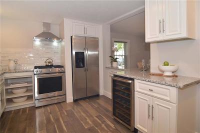 Lincoln Single Family Home For Sale: 31 Boulevard Av