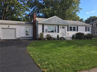 Cumberland RI Single Family Home For Sale: $309,000