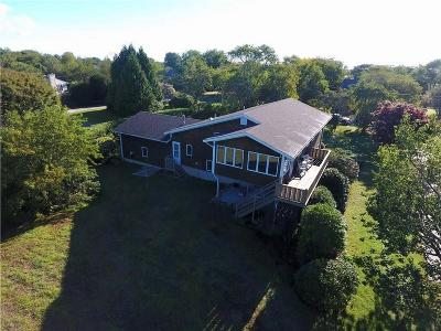South Kingstown Single Family Home For Sale: 268 Blackberry Hill Dr