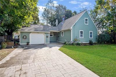 North Kingstown Single Family Home For Sale: 66 Steamboat Av