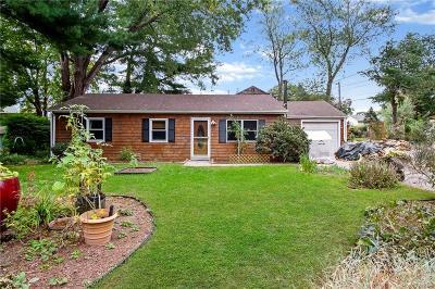 South Kingstown Single Family Home For Sale: 627 Middlebridge Rd