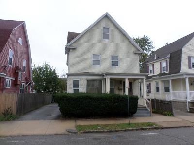 Providence RI Single Family Home For Sale: $199,000