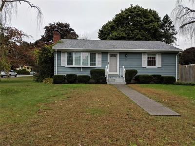 Smithfield Single Family Home For Sale: 12 Valley View Dr