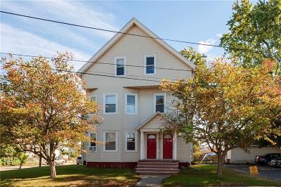 Pawtucket Multi Family Home For Sale: 847 Roosevelt Av