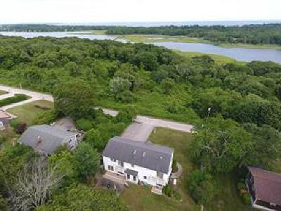 South Kingstown Single Family Home For Sale: 77 Crest Av
