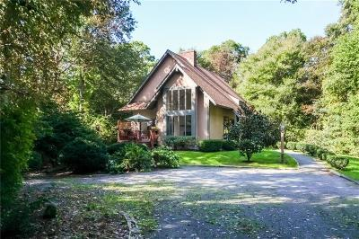 Little Compton Single Family Home For Sale: 45 Pachet Brook Rd
