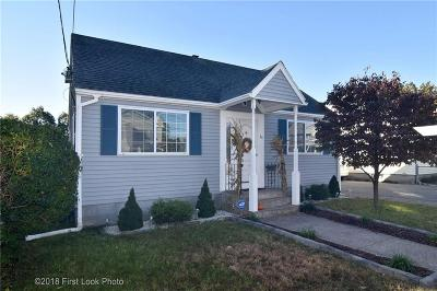 Pawtucket Single Family Home For Sale: 34 Cornell Av