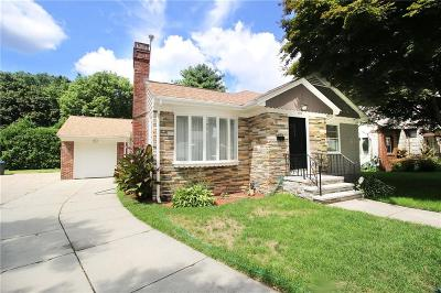 Single Family Home Sold: 176 Gentian Av
