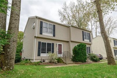 East Providence RI Condo/Townhouse For Sale: $185,000