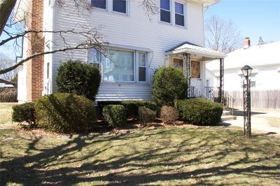 Providence RI Multi Family Home For Sale: $259,900