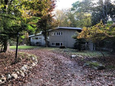 South Kingstown Single Family Home For Sale: 370 Biscuit City Rd