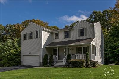 Cranston Single Family Home For Sale: 8 Cohasset Lane