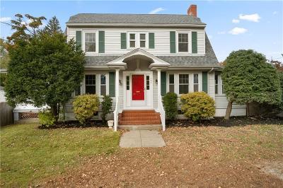 East Providence Single Family Home For Sale: 307 Newman Av