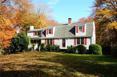 North Kingstown Single Family Home For Sale: 330 Congdon Hill Rd