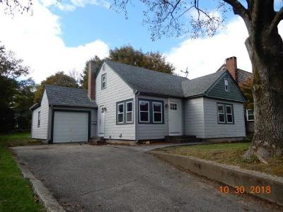 South Kingstown Single Family Home For Sale: 43 Johnson Pl