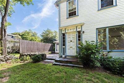 East Providence Single Family Home For Sale: 160 Pleasant St
