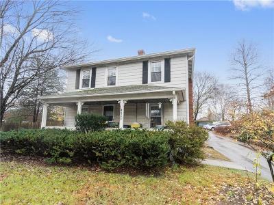 Smithfield Single Family Home For Sale: 522 Putnam Pike