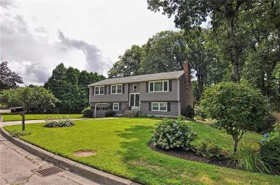West Warwick Single Family Home For Sale: 15 Flanders Dr
